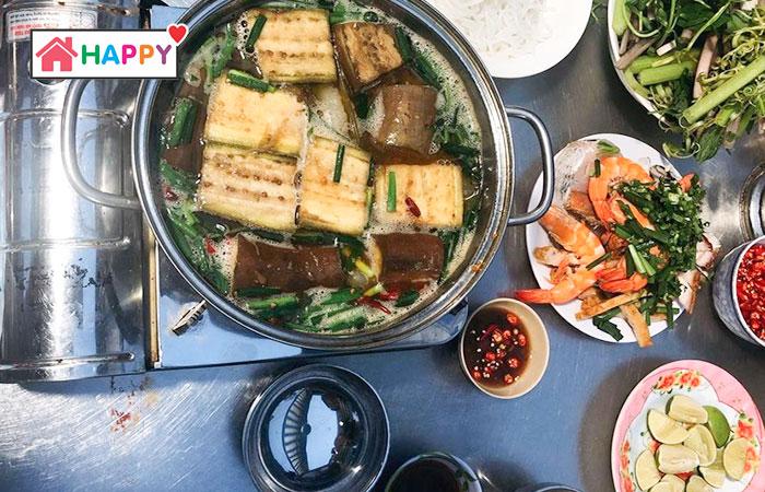 Facebook Bebe Do chia sẻ về món bún mắm ở quán chị Sen