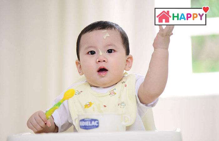 Trẻ 12 tháng tuổi sẽ nặng khoảng 8.9 - 9.6kg