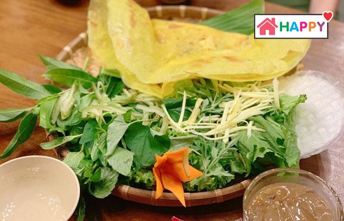 Quán bánh xèo Gỗ có mức giá thưởng thức rẻ và hương vị phù hợp với nhiều khách hàng